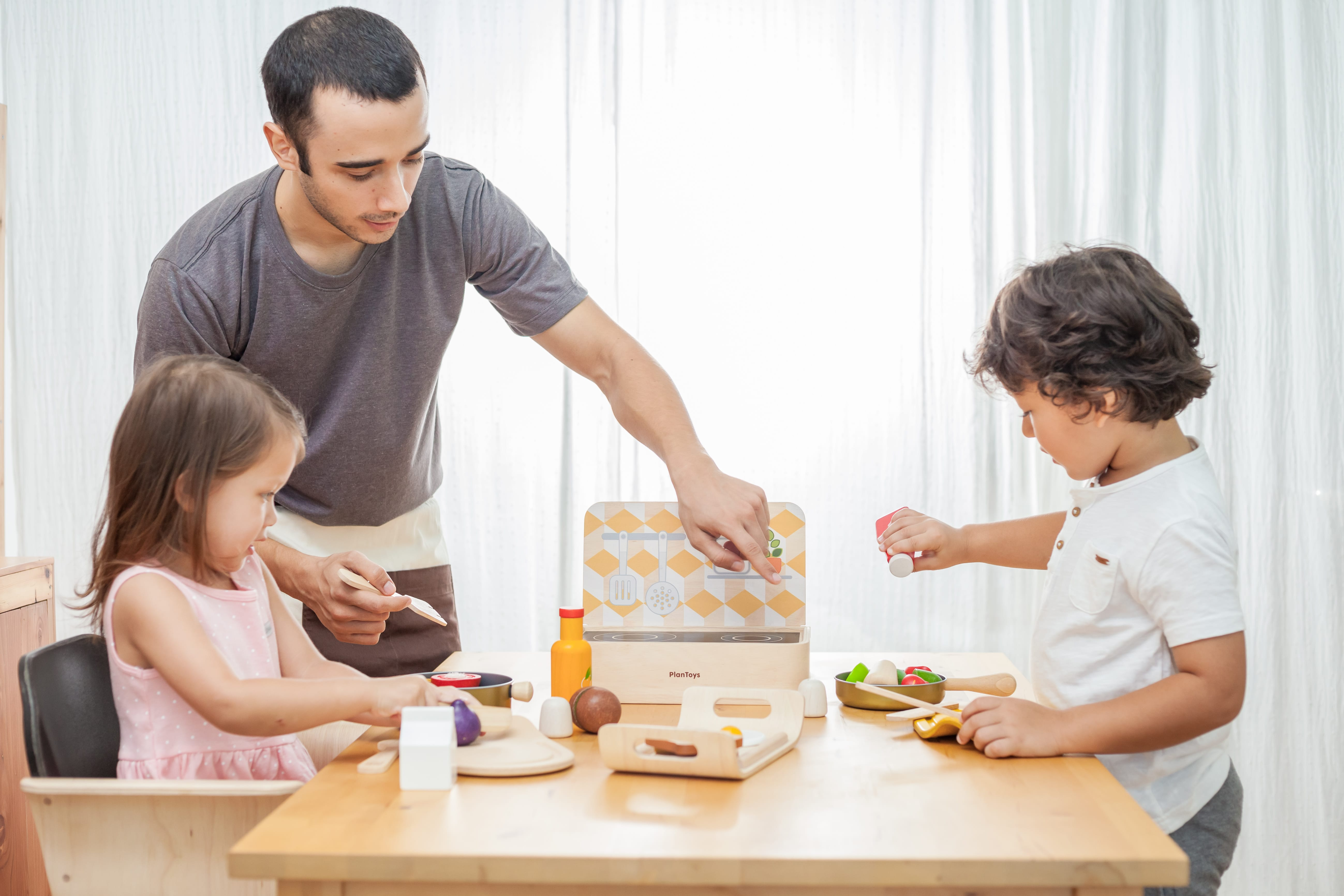 3432_PlanToys_FOOD_and_BEVERAGE_SET_Pretend_Play_Imagination_Language_and_Communications_Social_Fine_Motor_3yrs_Wooden_toys_Education_toys_Safety_Toys_Non-toxic_0.jpg