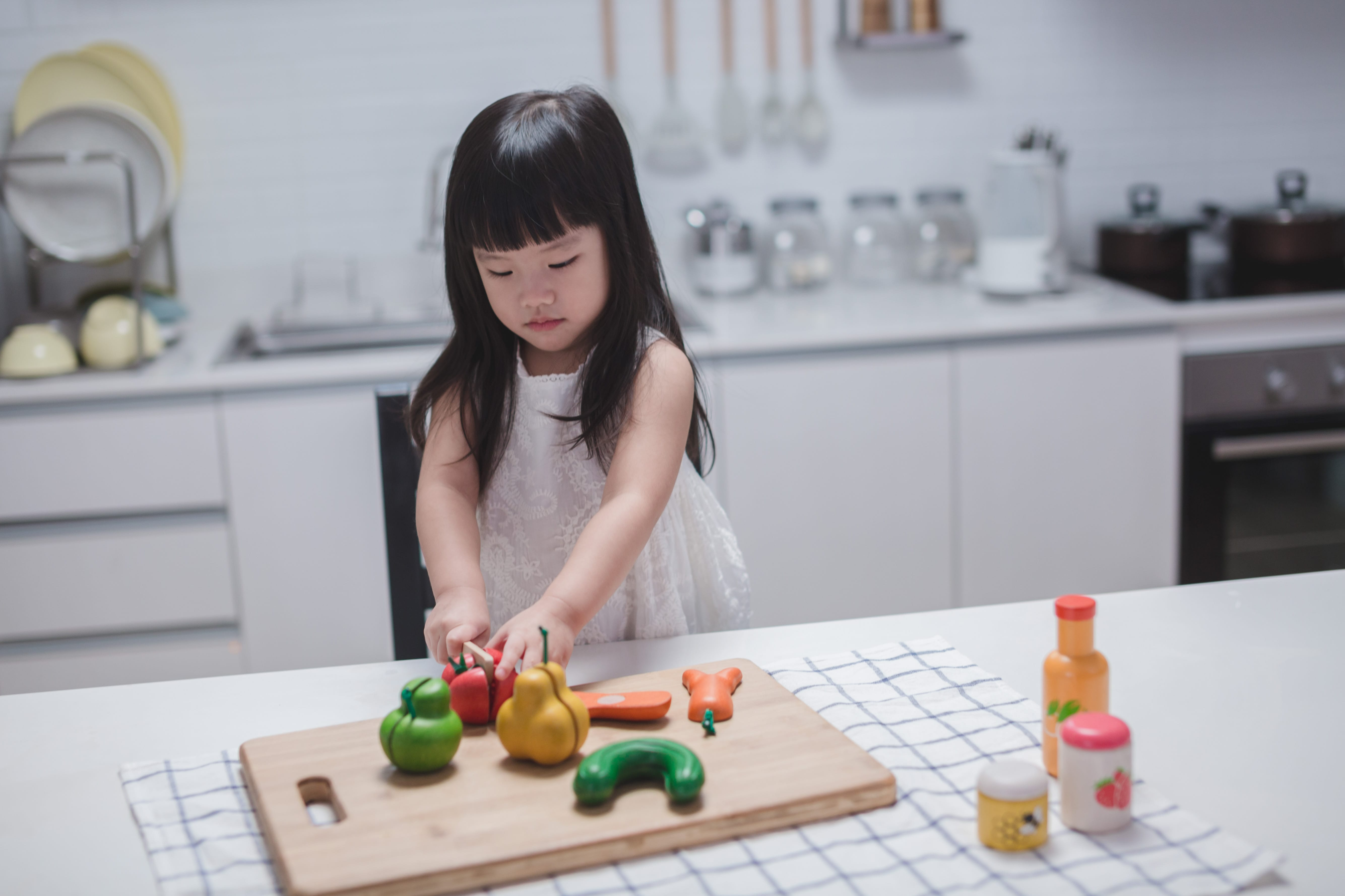 3432_PlanToys_FOOD_and_BEVERAGE_SET_Pretend_Play_Imagination_Language_and_Communications_Social_Fine_Motor_3yrs_Wooden_toys_Education_toys_Safety_Toys_Non-toxic_4.jpg