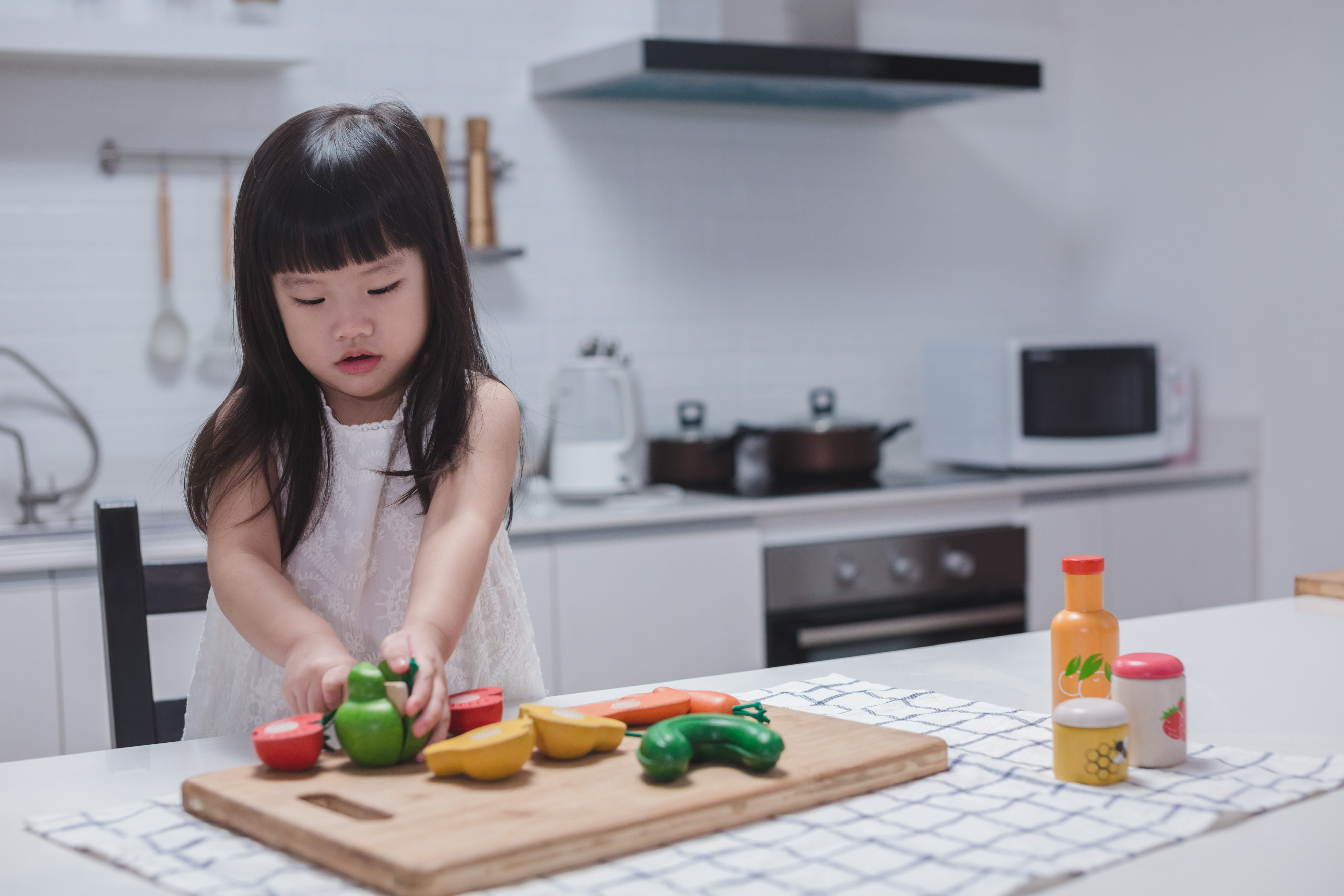 3432_PlanToys_FOOD_and_BEVERAGE_SET_Pretend_Play_Imagination_Language_and_Communications_Social_Fine_Motor_3yrs_Wooden_toys_Education_toys_Safety_Toys_Non-toxic_5.jpg