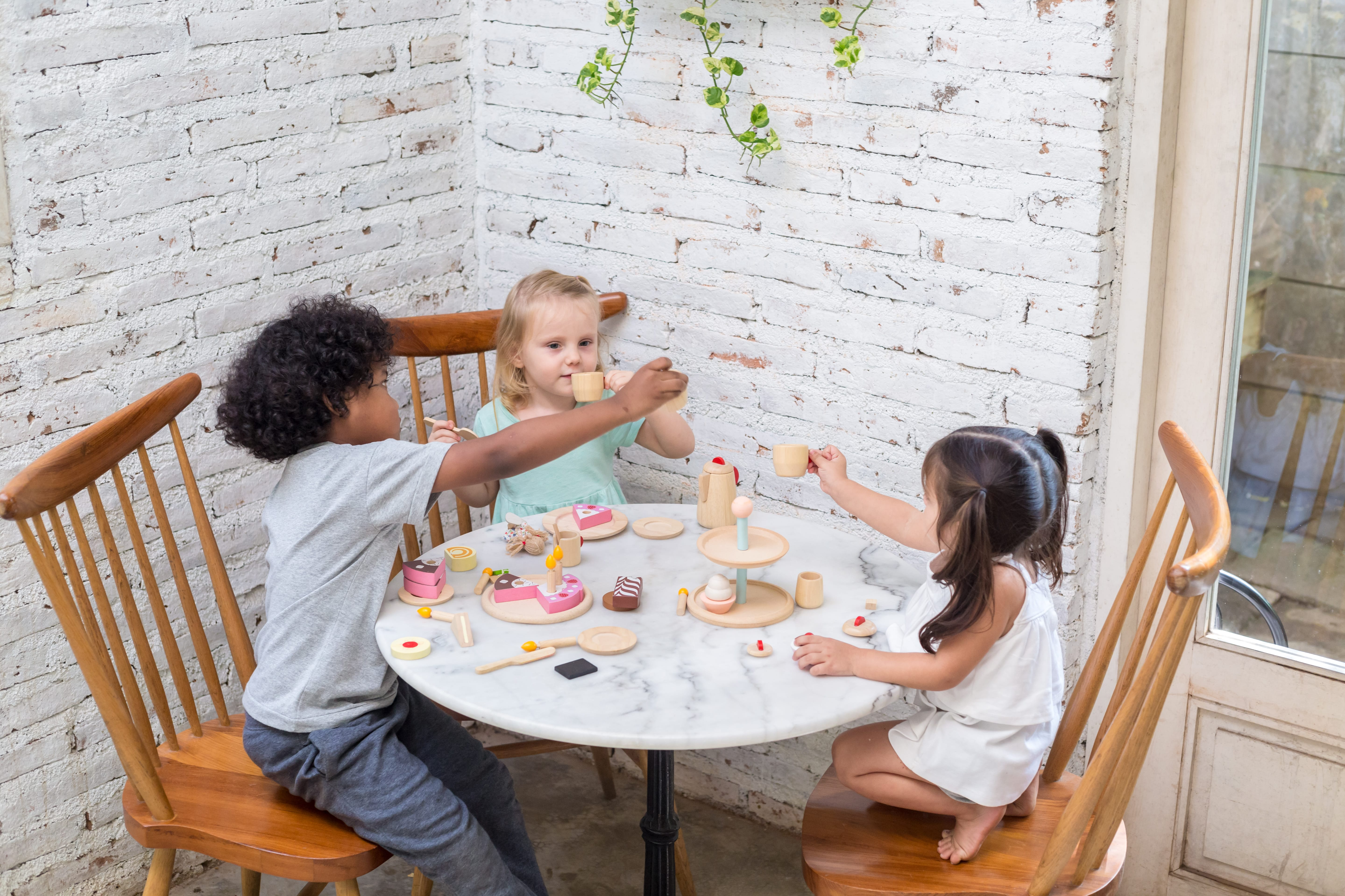 3433_PlanToys_TEA_SET_Pretend_Play_Fine_Motor_Imagination_Social_Language_and_Communications_Coordination_2yrs_3yrs_Wooden_toys_Education_toys_Safety_Toys_Non-toxic_5.jpg