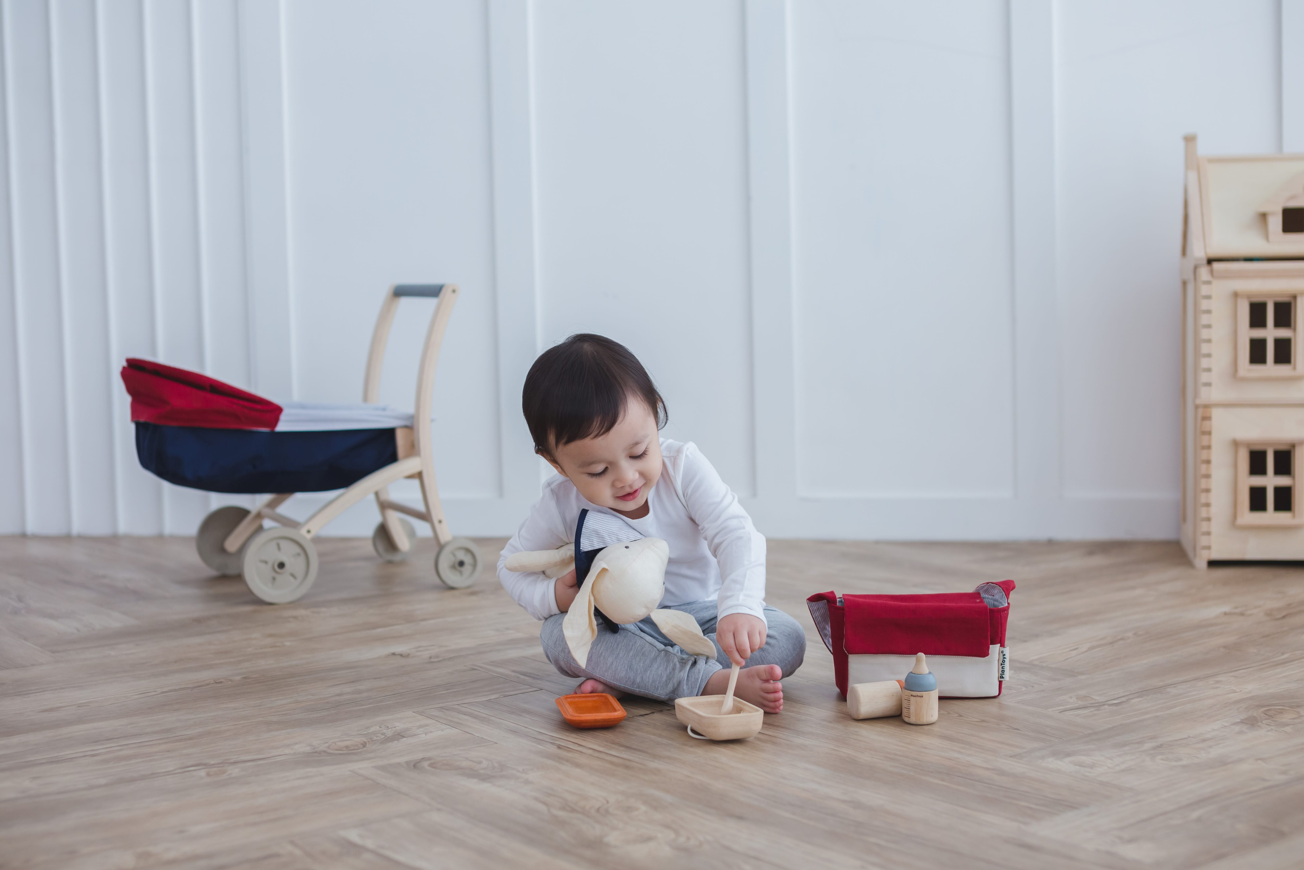 3499_PlanToys_BABY_FEEDING_SET_Pretend_Play_Imagination_Coordination_Language_and_Communications_Social_Fine_Motor_2yrs_Wooden_toys_Education_toys_Safety_Toys_Non-toxic_4.jpg