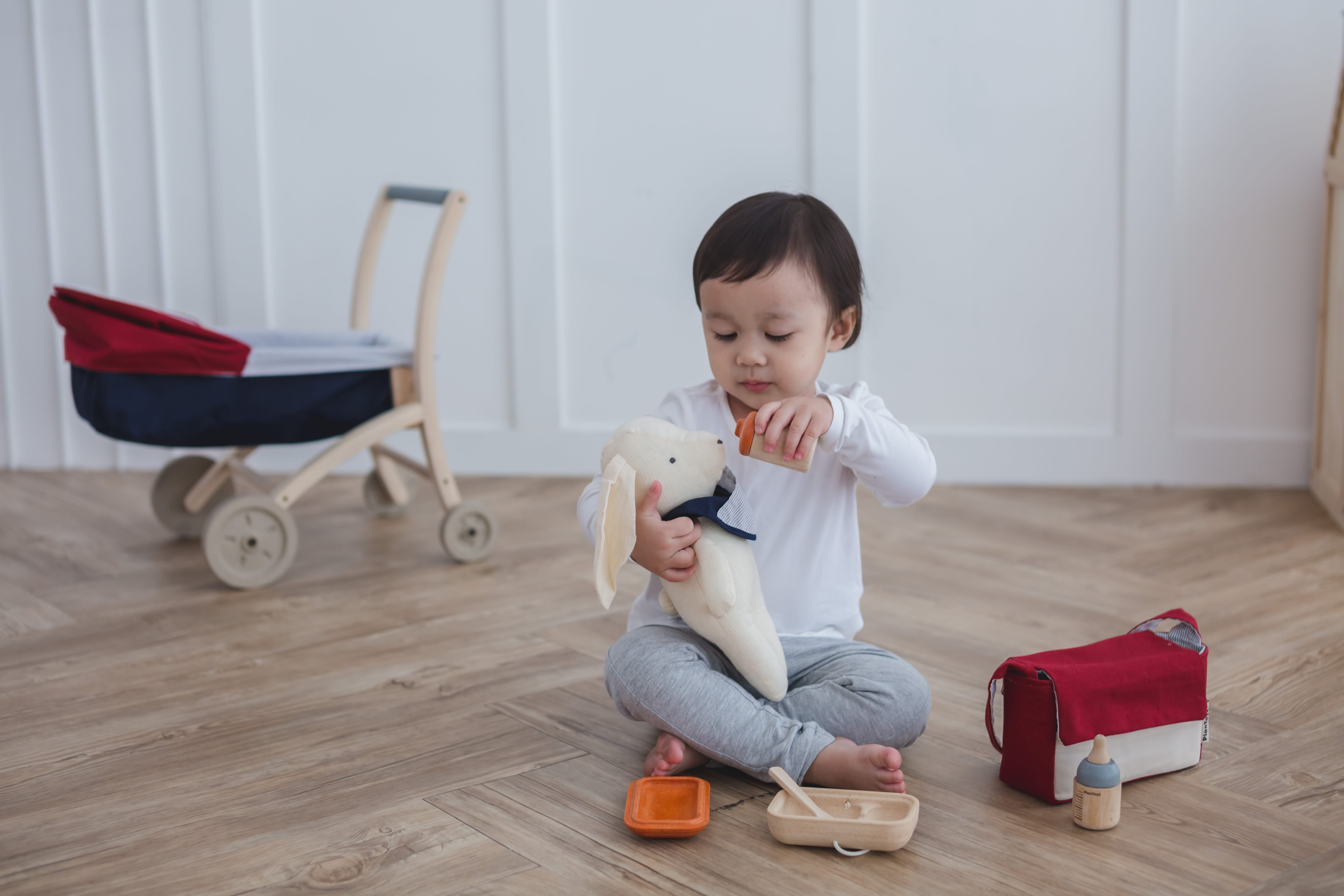 3499_PlanToys_BABY_FEEDING_SET_Pretend_Play_Imagination_Coordination_Language_and_Communications_Social_Fine_Motor_2yrs_Wooden_toys_Education_toys_Safety_Toys_Non-toxic_5.jpg