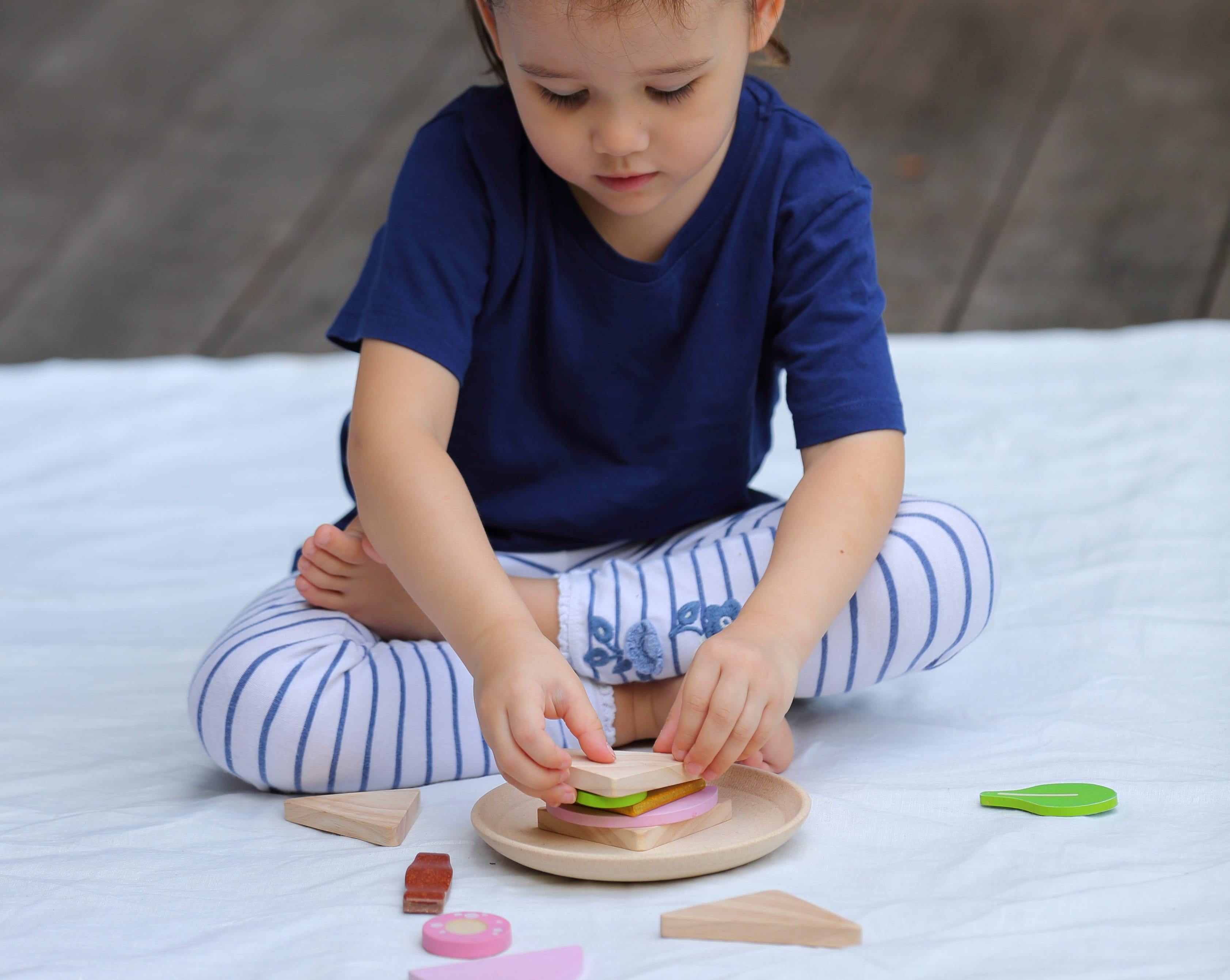 3612_PlanToys_SANDWICH_Pretend_Play_Imagination_Creative_Language_and_Communications_Social_Coordination_Emotion_2yrs_Wooden_toys_Education_toys_Safety_Toys_Non-toxic_1.jpg