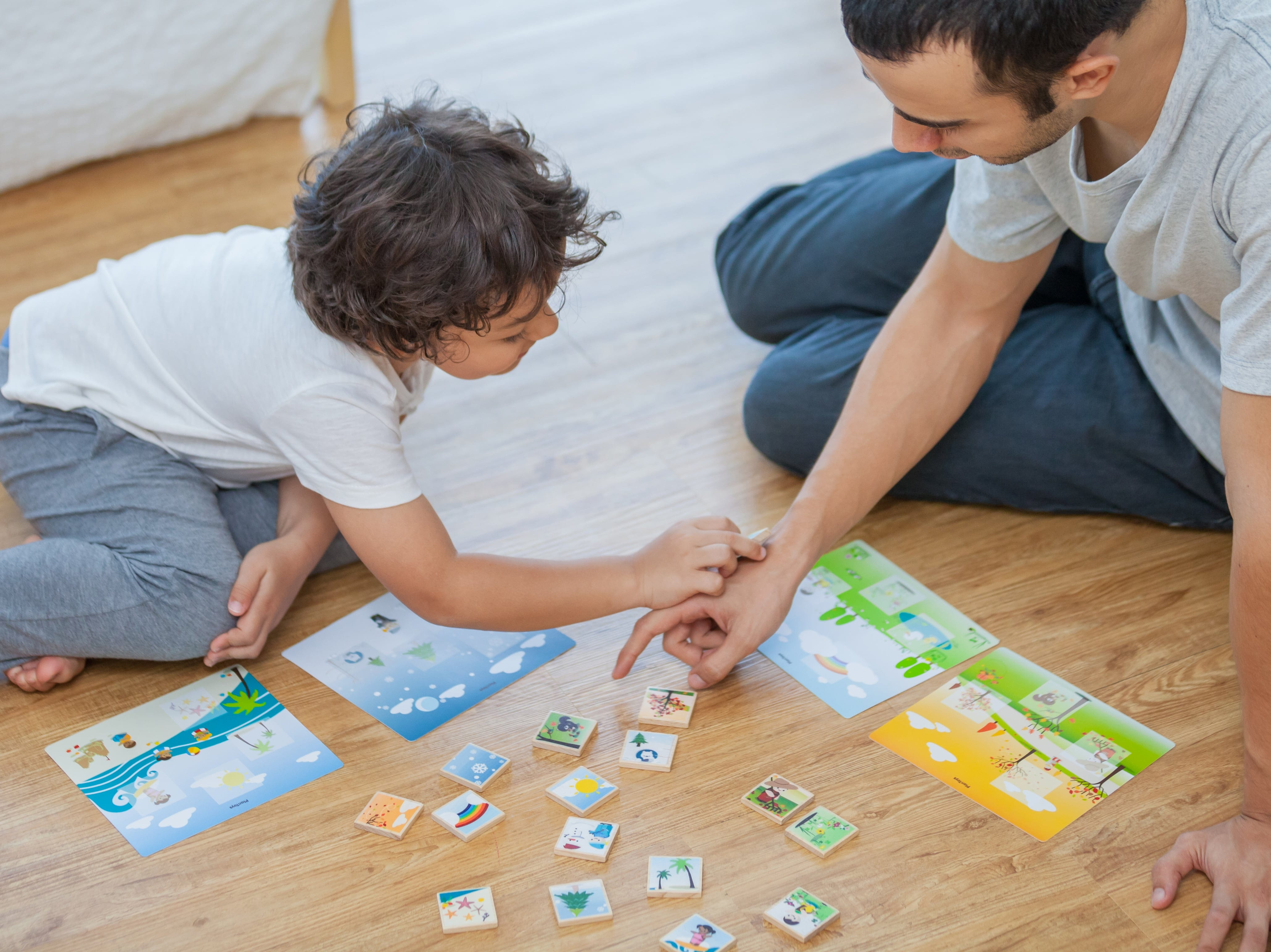 4625_PlanToys_SEASONAL_BINGO_Game_and_Puzzles_Social_Visual_Problem_Solving_Language_and_Communications_3yrs_Wooden_toys_Education_toys_Safety_Toys_Non-toxic_0.jpg