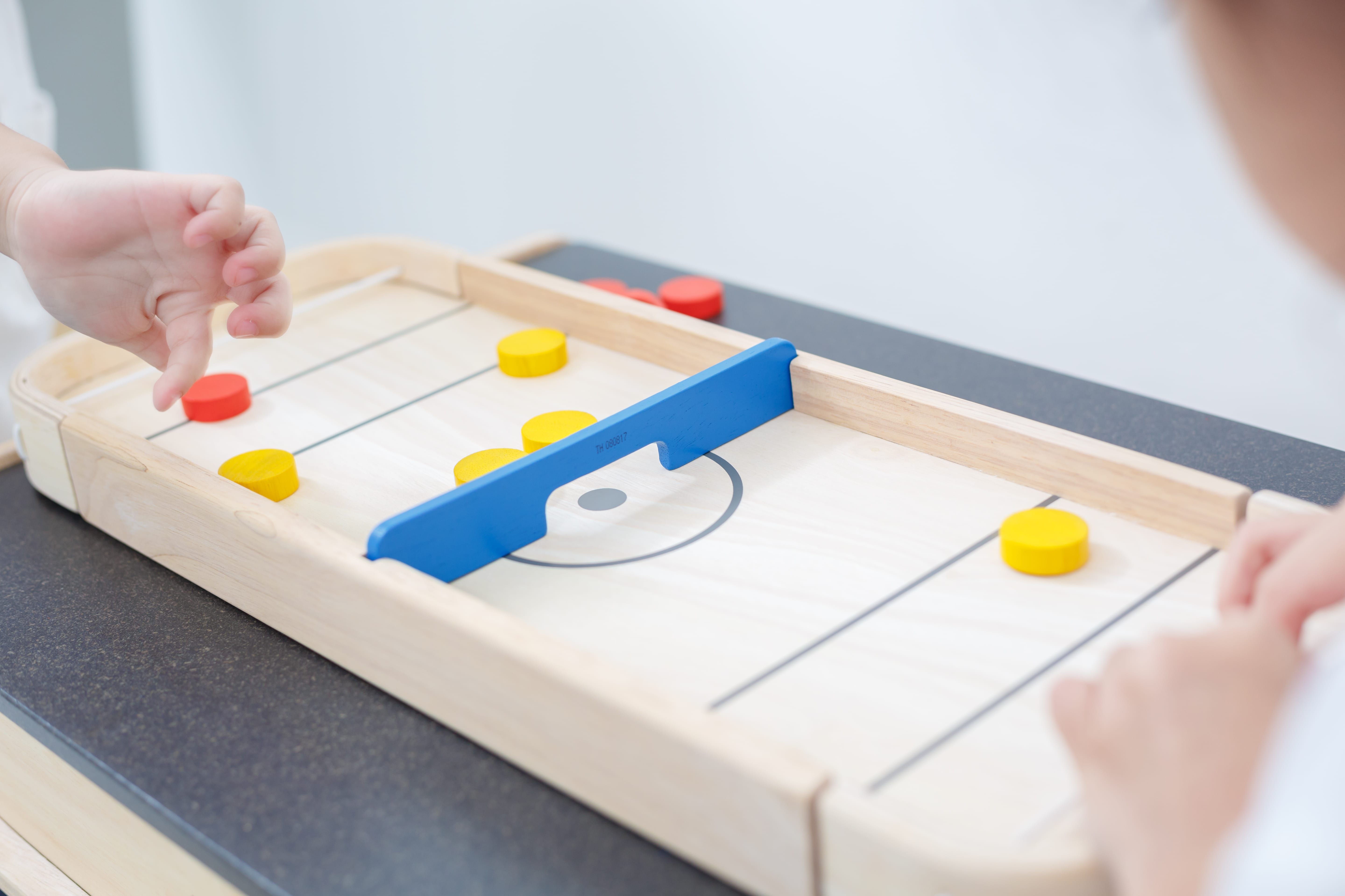 4626_PlanToys_2-IN-1_SHUFFLEBOARD-GAME_Game_and_Puzzles_Fine_Motor_Coordination_Social_Language_and_Communications_Mathematical_3yrs_Wooden_toys_Education_toys_Safety_Toys_Non-toxic_1.jpg
