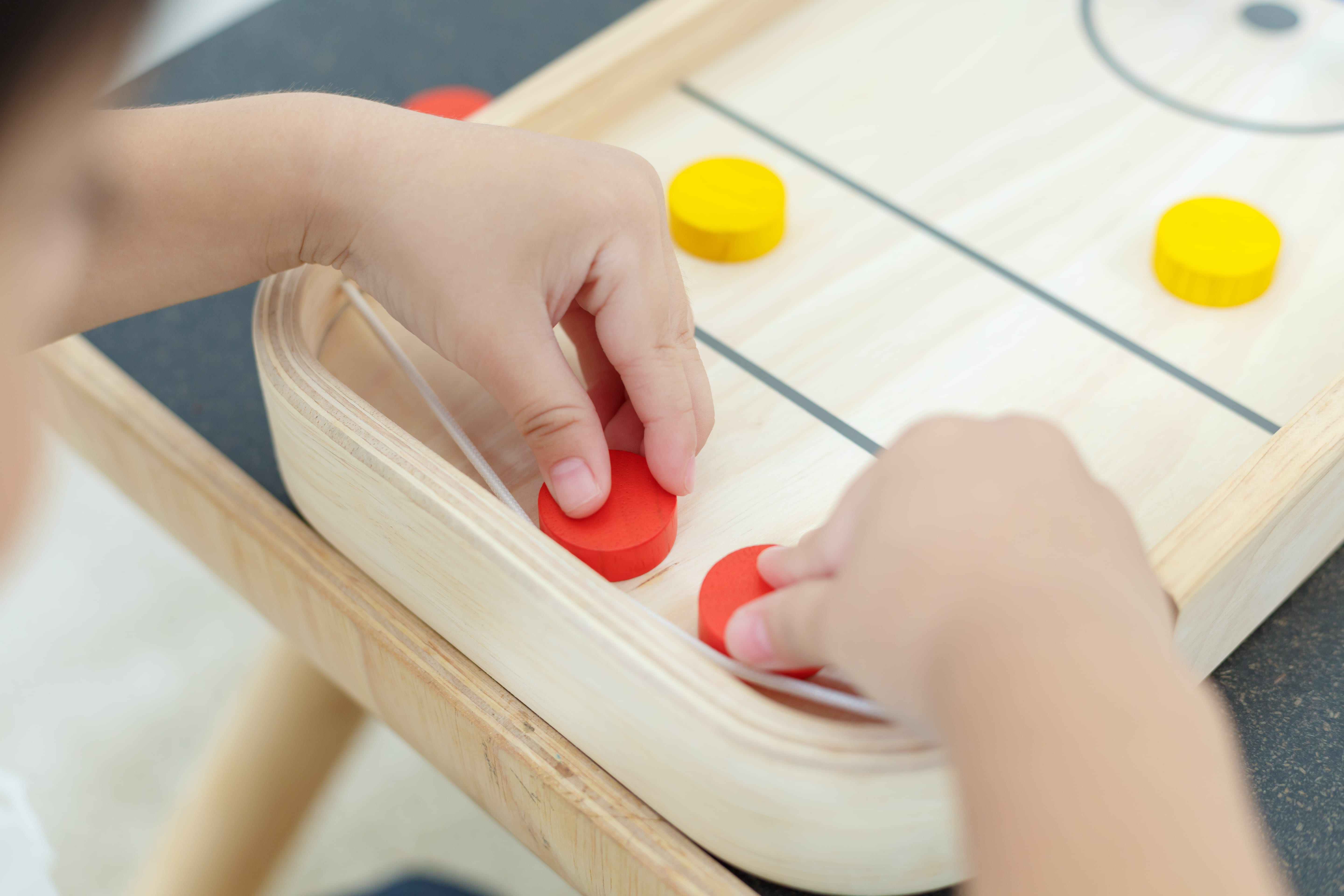 4626_PlanToys_2-IN-1_SHUFFLEBOARD-GAME_Game_and_Puzzles_Fine_Motor_Coordination_Social_Language_and_Communications_Mathematical_3yrs_Wooden_toys_Education_toys_Safety_Toys_Non-toxic_3.jpg