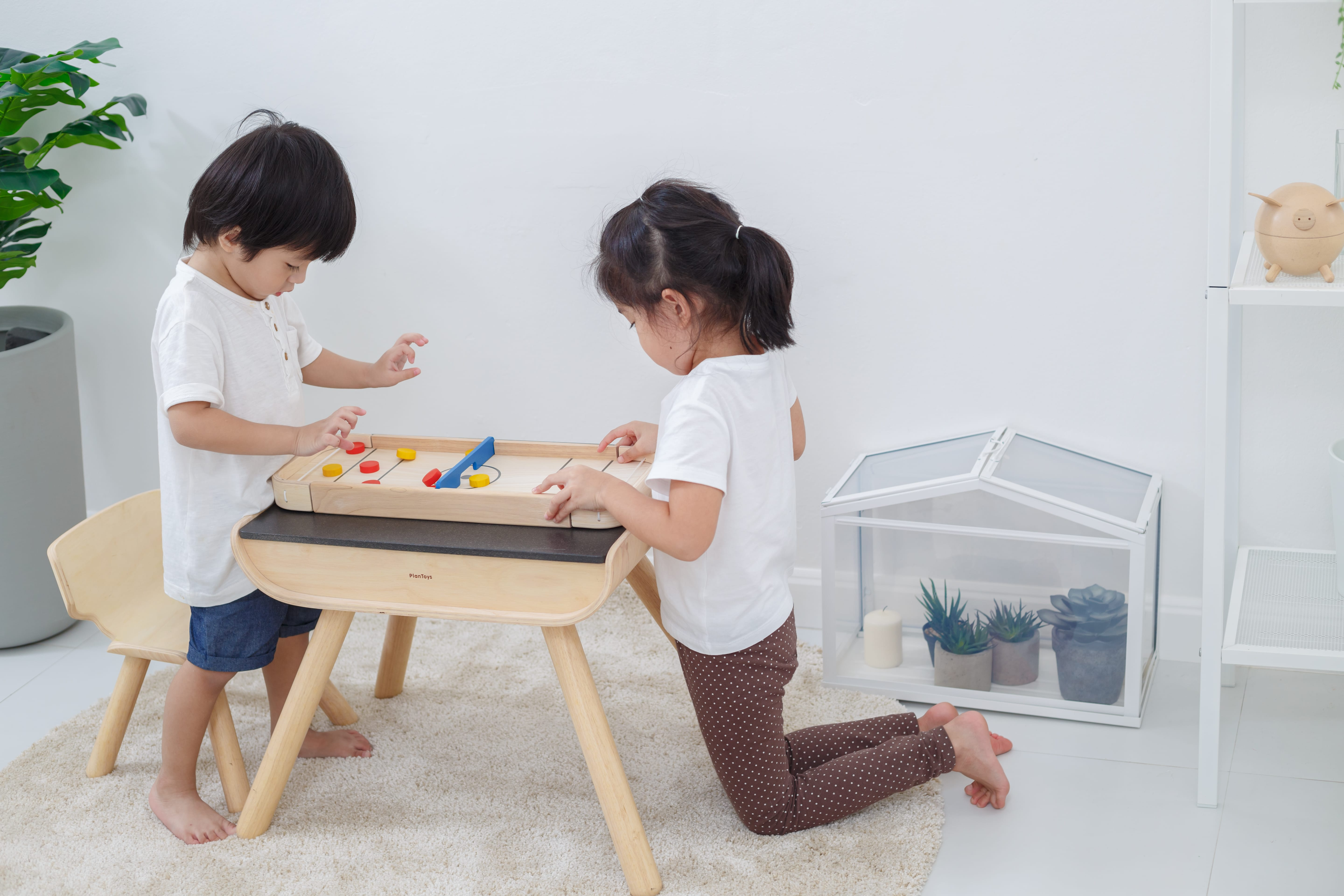 4626_PlanToys_2-IN-1_SHUFFLEBOARD-GAME_Game_and_Puzzles_Fine_Motor_Coordination_Social_Language_and_Communications_Mathematical_3yrs_Wooden_toys_Education_toys_Safety_Toys_Non-toxic_5.jpg