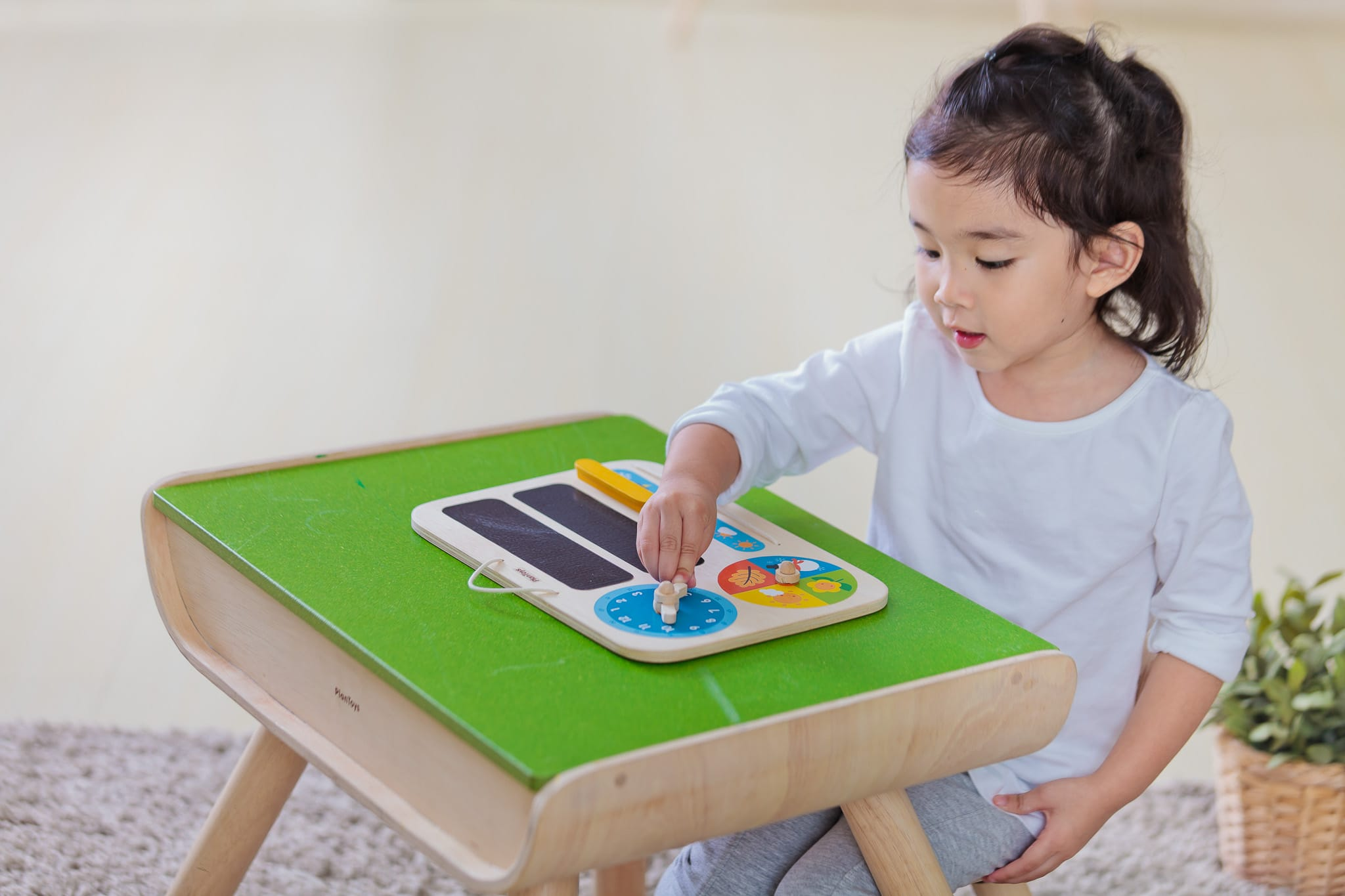 5359_PlanToys_MY_FIRST_CALENDAR_Learning_and_Education_Mathematical_Language_and_Communications_Explore_Fine_Motor_3yrs_Wooden_toys_Education_toys_Safety_Toys_Non-toxic_5.jpg