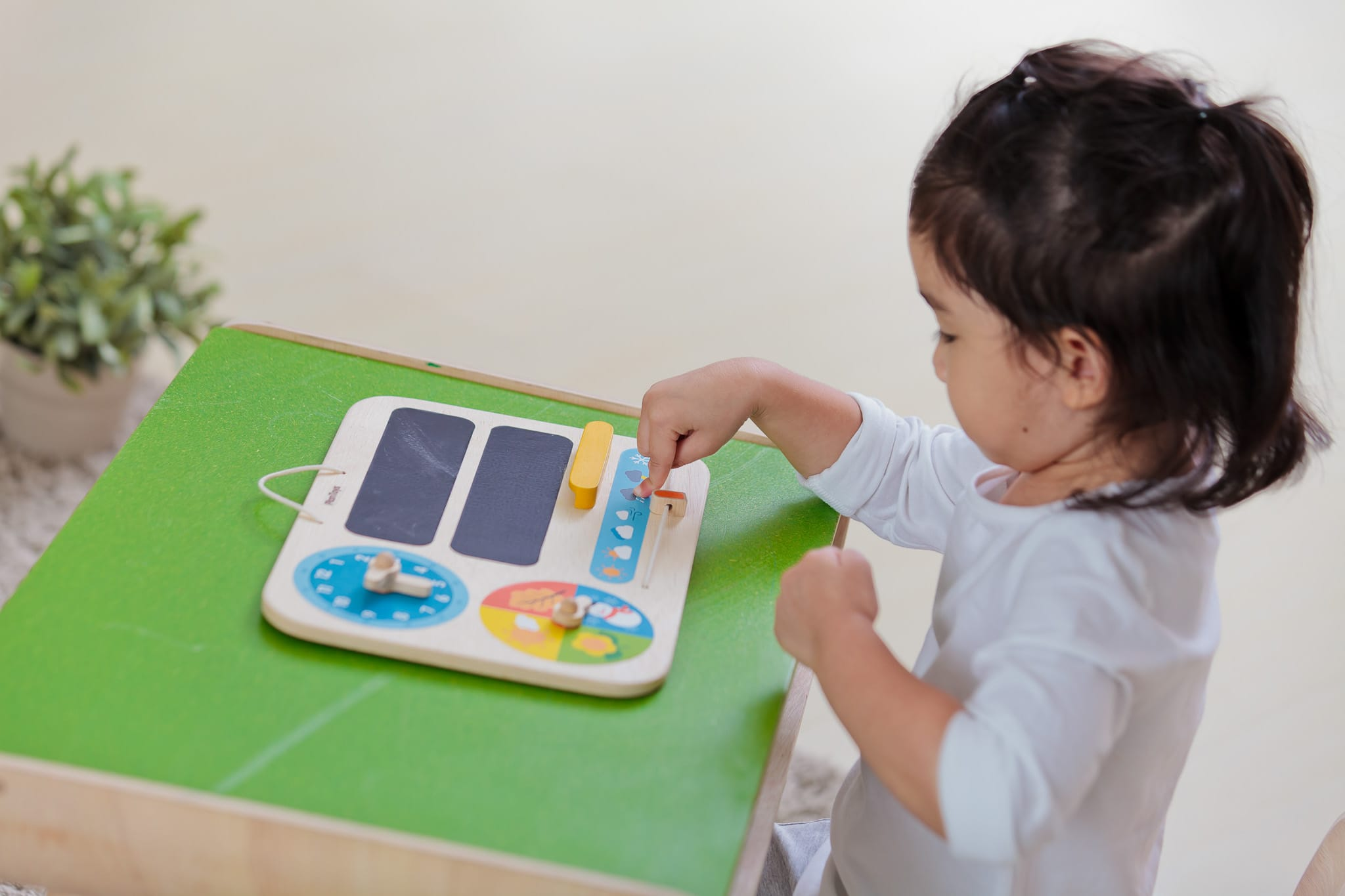 5359_PlanToys_MY_FIRST_CALENDAR_Learning_and_Education_Mathematical_Language_and_Communications_Explore_Fine_Motor_3yrs_Wooden_toys_Education_toys_Safety_Toys_Non-toxic_7.jpg