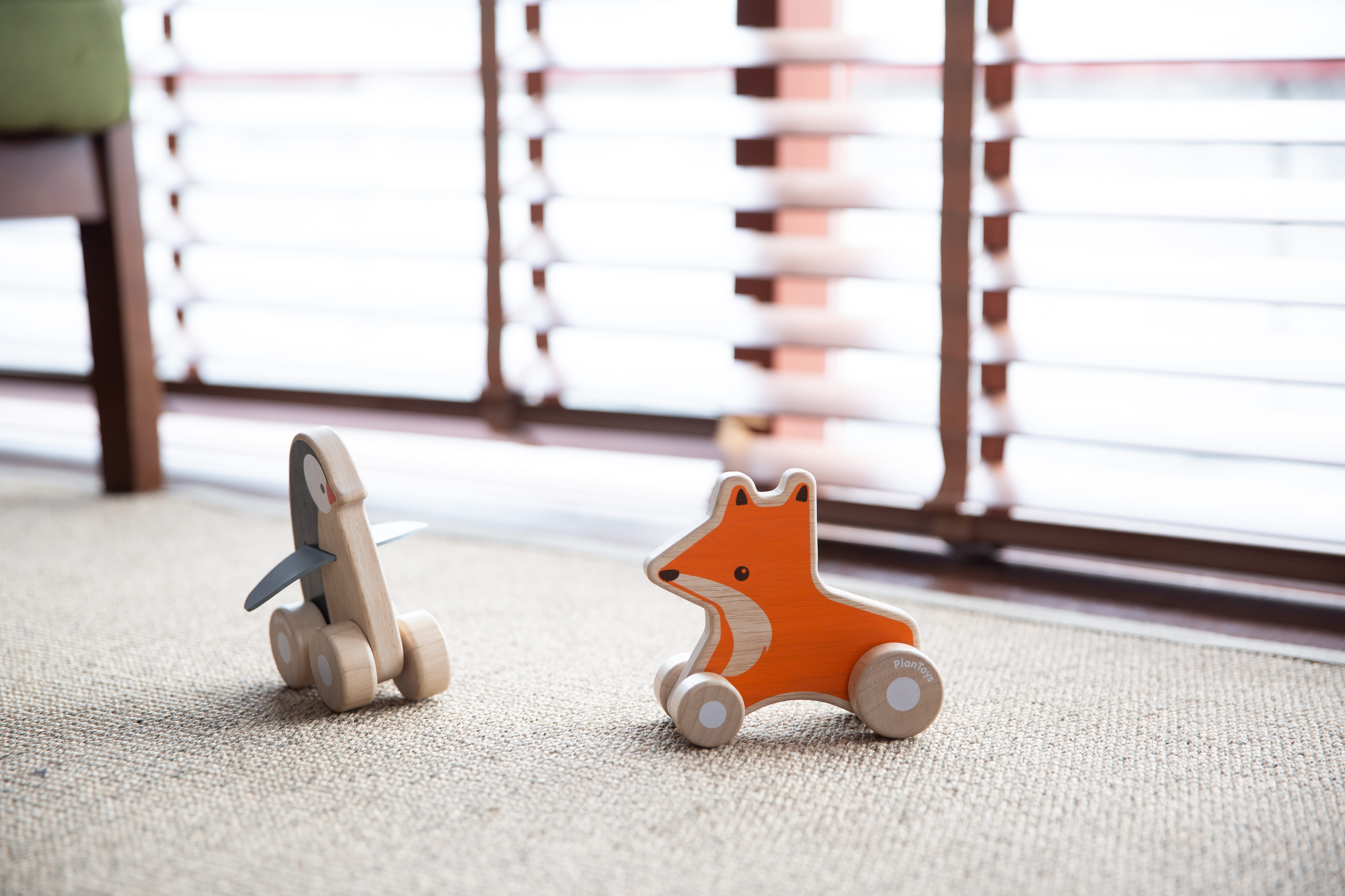 5444_PlanToys_PENGUIN_WHEELIE_Active_Play_Imagination_Coordination_Language_and_Communications_Fine_Motor_12m_Wooden_toys_Education_toys_Safety_Toys_Non-toxic_0.jpg