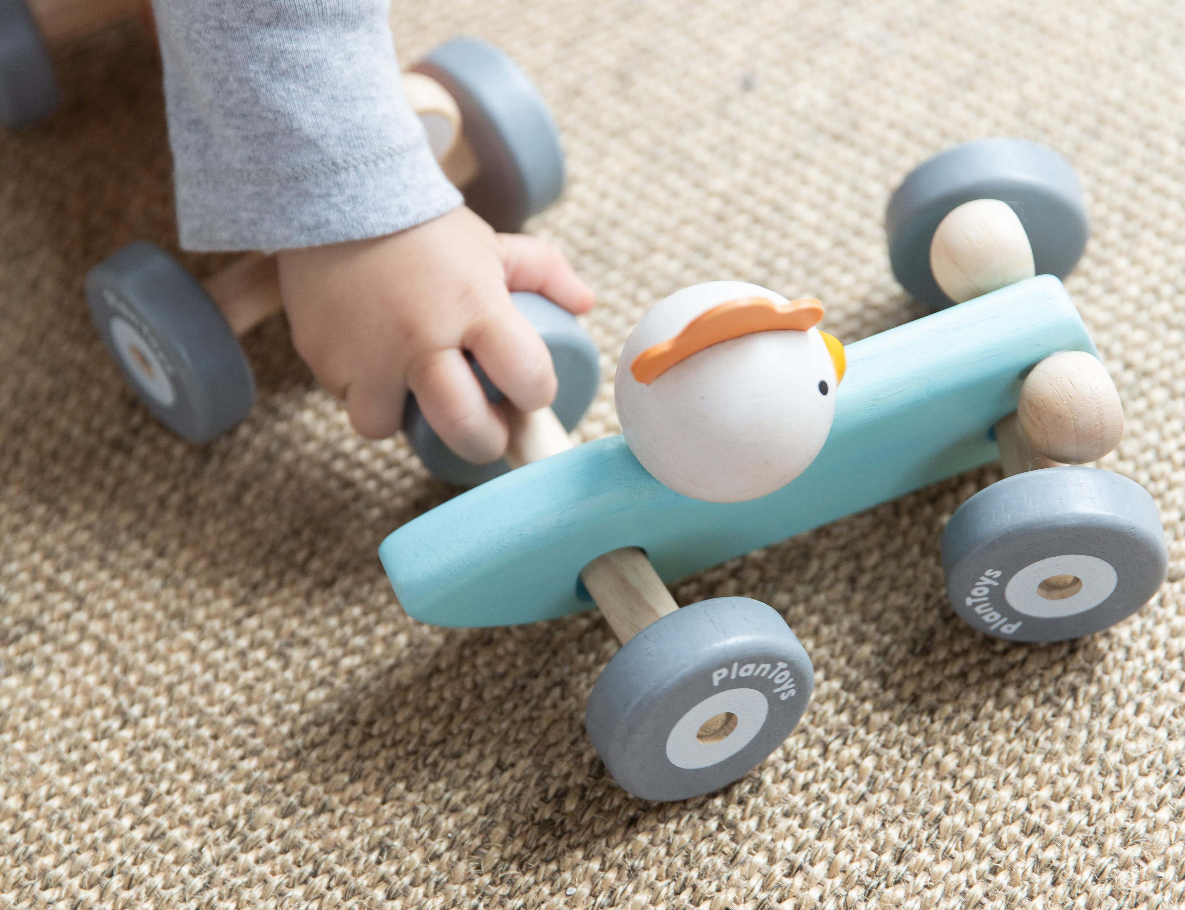 5716_PlanToys_CHICKEN_RACING_CAR_Active_Play_Imagination_Fine_Motor_Coordination_Language_and_Communications_12m_Wooden_toys_Education_toys_Safety_Toys_Non-toxic_2.jpg
