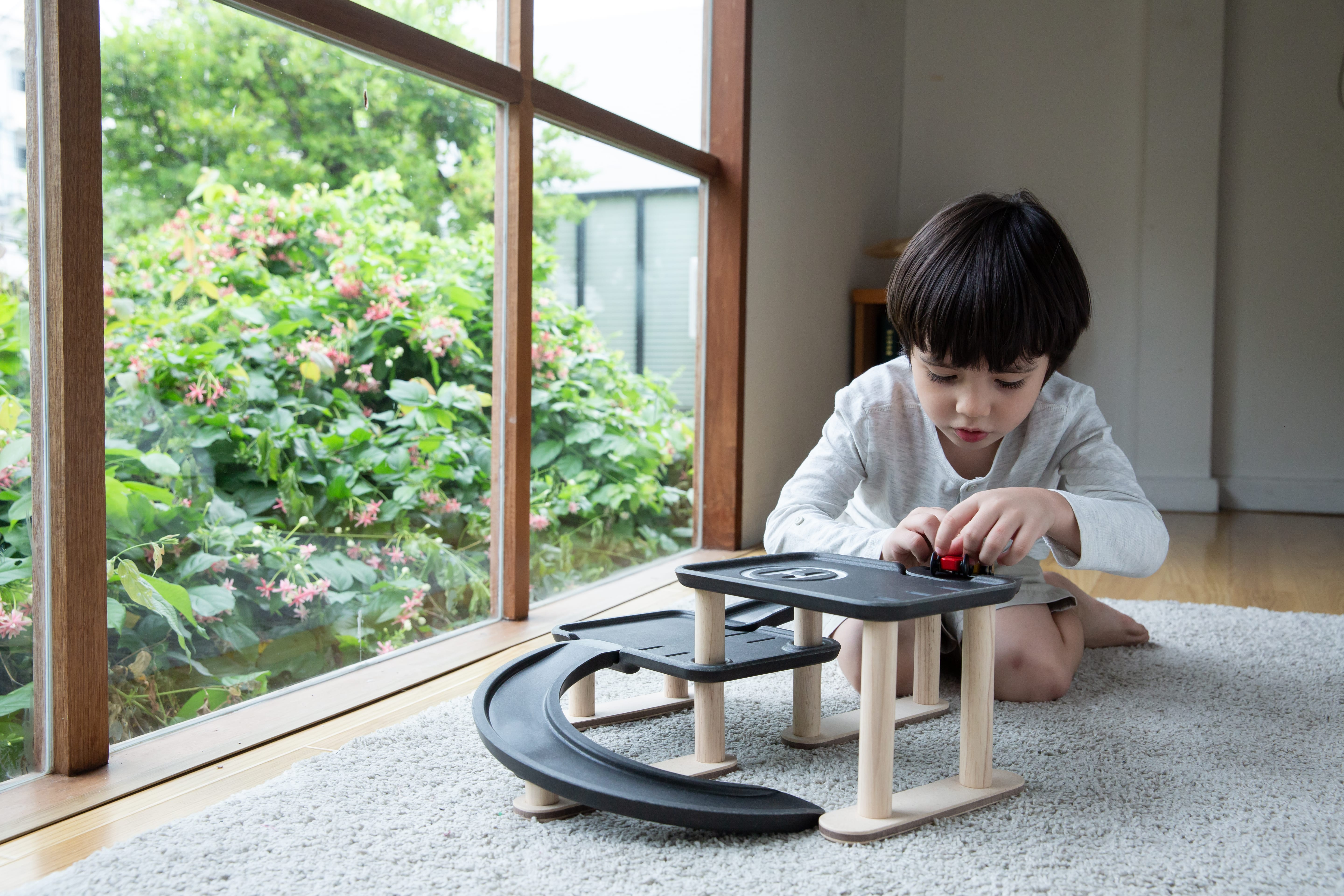 6270_PlanToys_RACE_N_PLAY_PARKING_GARAGE_Pretend_Play_Imagination_Coordination_Social_Language_and_Communications_Fine_Motor_3yrs_Wooden_toys_Education_toys_Safety_Toys_Non-toxic_1.jpg