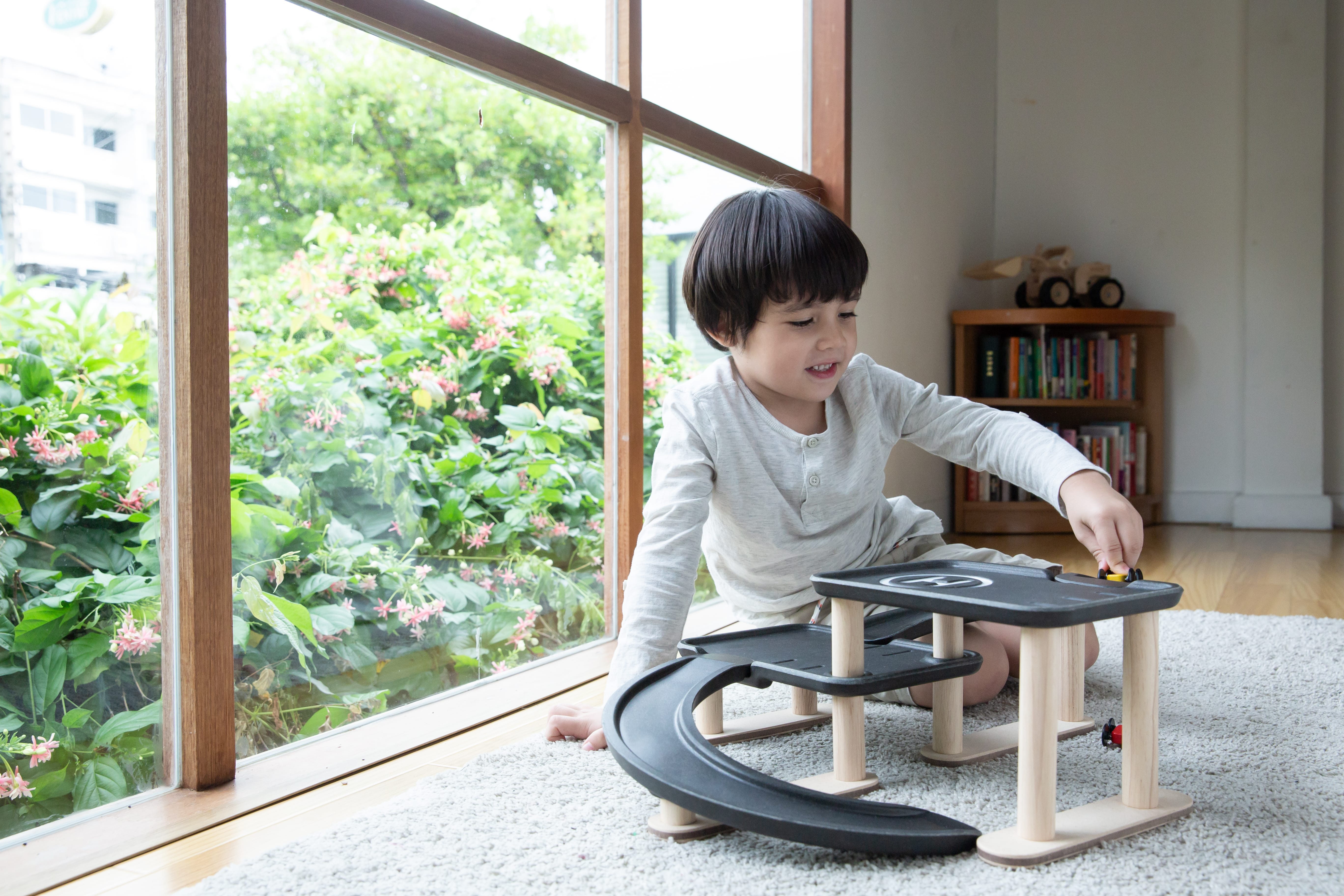 6270_PlanToys_RACE_N_PLAY_PARKING_GARAGE_Pretend_Play_Imagination_Coordination_Social_Language_and_Communications_Fine_Motor_3yrs_Wooden_toys_Education_toys_Safety_Toys_Non-toxic_2.jpg