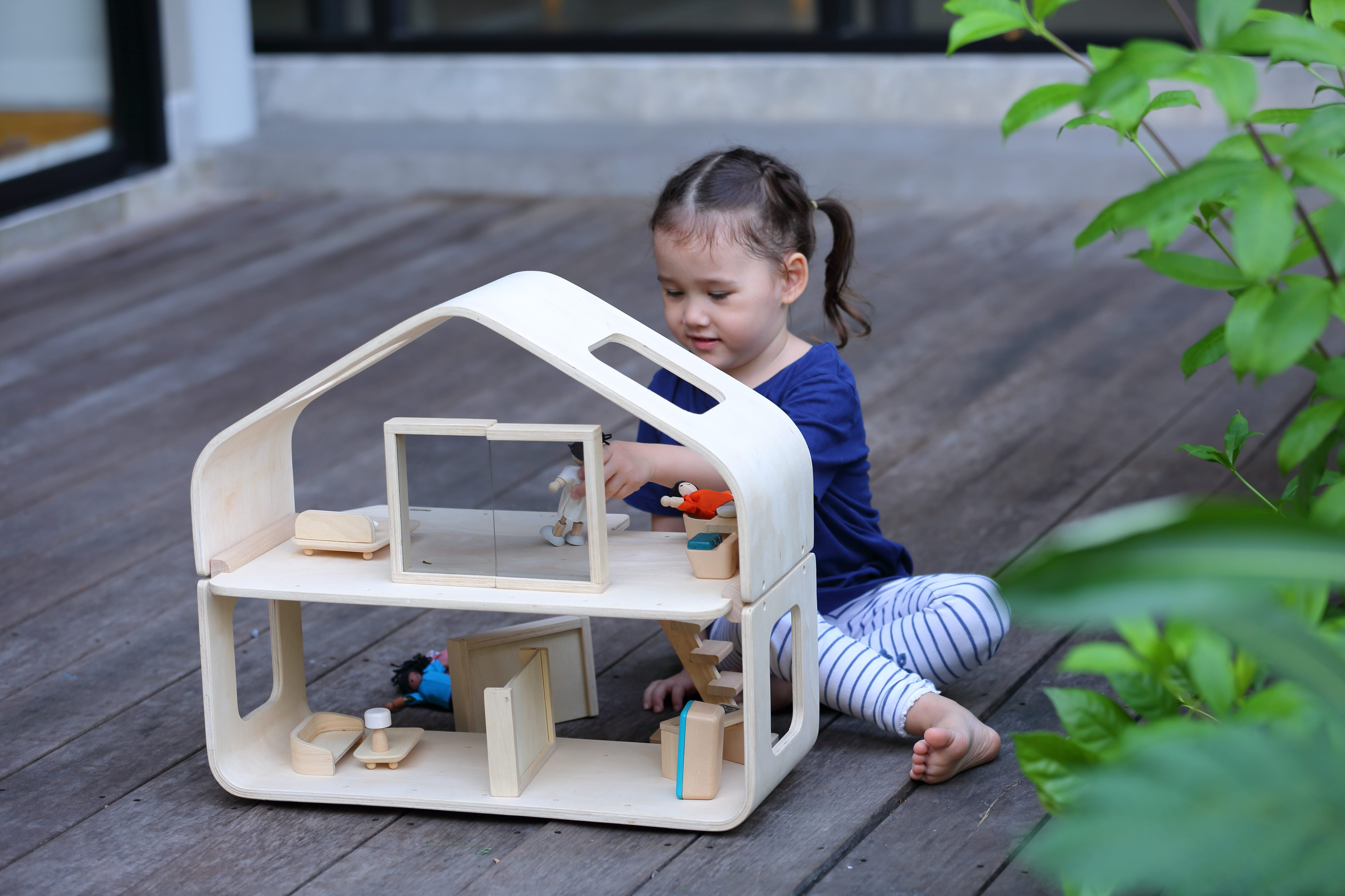 7122_PlanToys_CONTEMPORARY_DOLLHOUSE_Pretend_Play_Imagination_Coordination_Language_and_Communications_Social_Fine_Motor_3yrs_Wooden_toys_Education_toys_Safety_Toys_Non-toxic_2.jpg